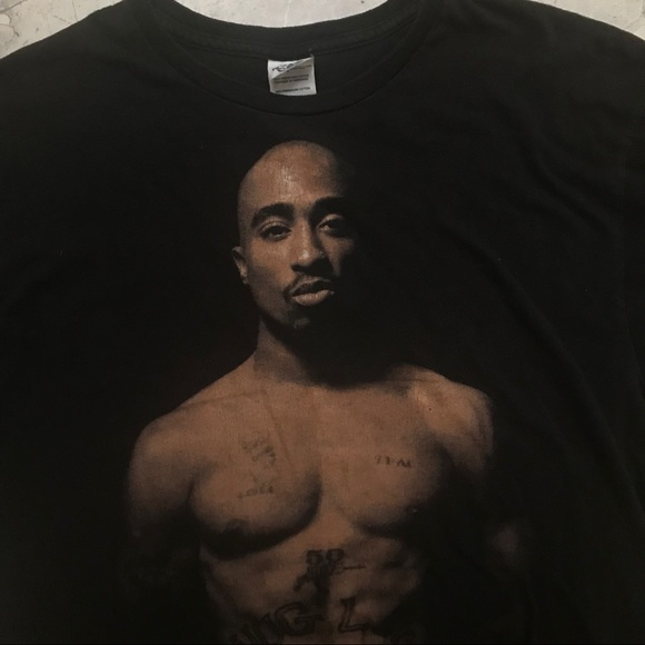 25487f28 Vintage Tupac T-Shirt. M_5b9e6668194dadce3bd96e5e